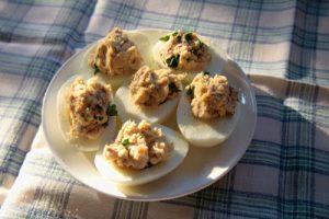 Low FODMAP stuffed eggs with smoked mackerel