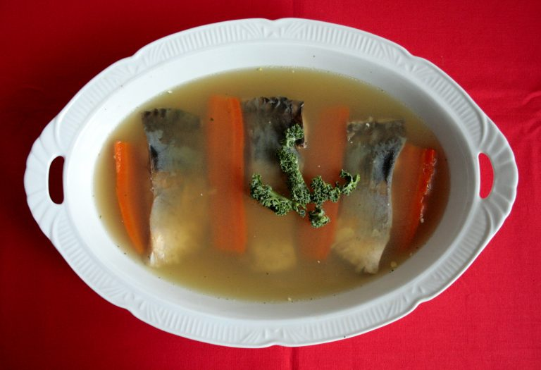 Low FODMAP carp fish in jelly with vegetables