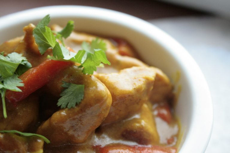 Low FODMAP chicken korma curry