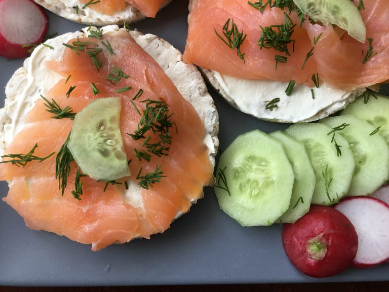 Low FODMAP Smoked salmon and cream cheese canape
