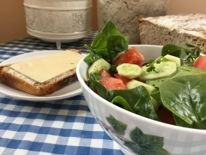 Tomato and fresh spinach salad