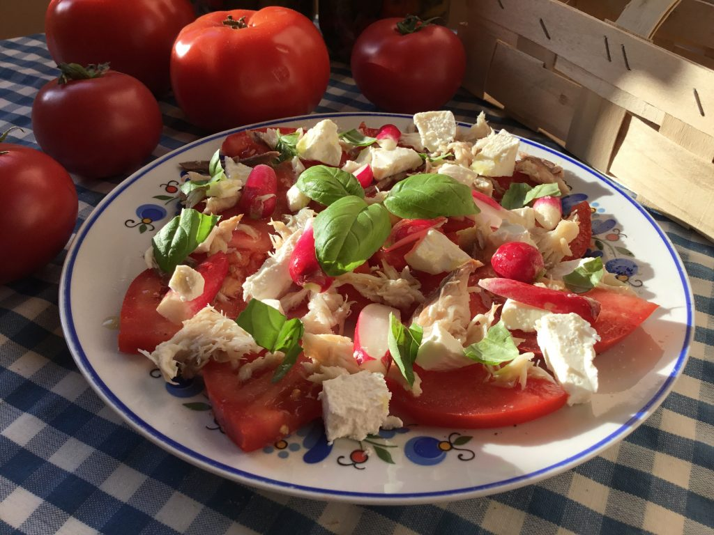 Smoked mackerel, feta and tomato salad