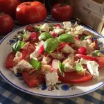 Low FODMAP Smoked mackerel, feta and tomato salad