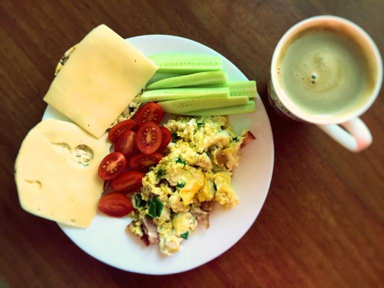 Scrambled egg and veggie breakfast
