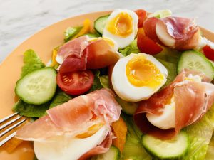 Simple Egg and Prosciutto Salad (low FODMAP)