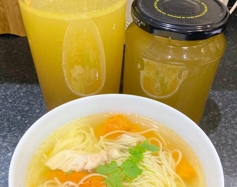 Low FODMAP Chicken Stock/ Broth