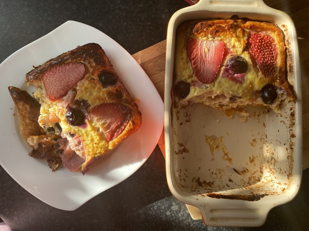 Low FODMAP Baked Oats with Strawberries